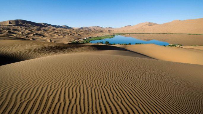 adventure-alone-arid-barren-274014